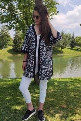 Siyah Beyaz Kadın Kimono